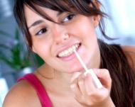 Отбеливание зубов в домашних условиях: какое средство выбрать и купить в аптеке
