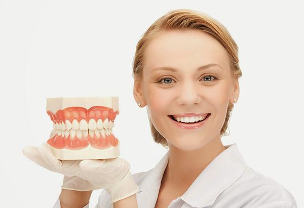 сколько стоит отбеливание зубов в чите