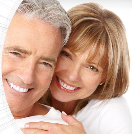 установка съемных виниров на передние зубы