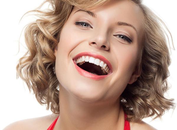 Улыбка отбеливание зубов